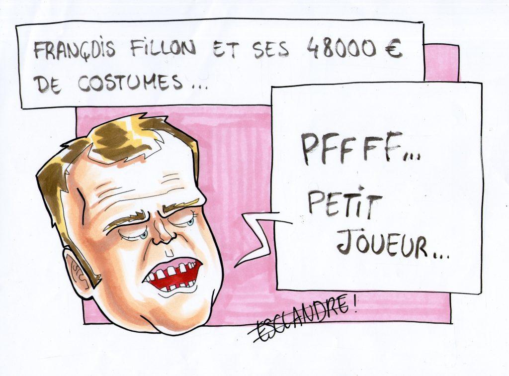 Macron raille François Fillon et ses costumes