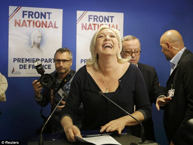 Marine Le Pen veut la dissolution des antifascistes, une résurgence de 1933 ?
